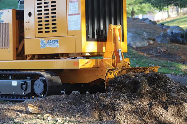 BANDIT 2900 – pařezová fréza na pásovém podvozku
